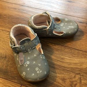 Carter's Baby Walk Shoes - Size 5.5